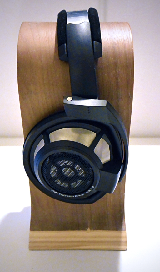 Sennheiser HD 800 S at rest